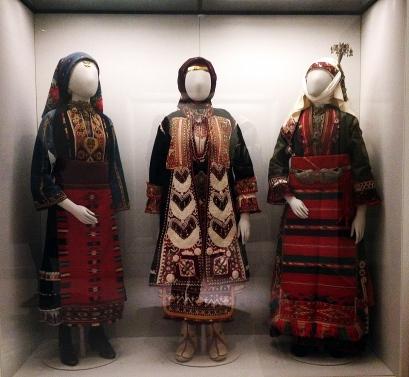 griechische Trachten aus der Zeit der osmanischen Herrschaft