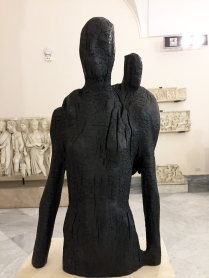 skulptur aus verbranntem Holz, Arch. Mus. Neapel 2018
